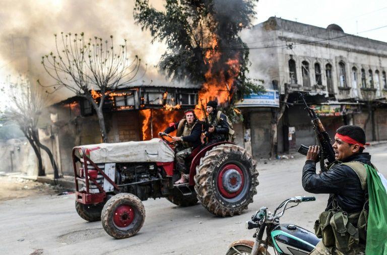 250 bin sivil Afrin'i terketti
