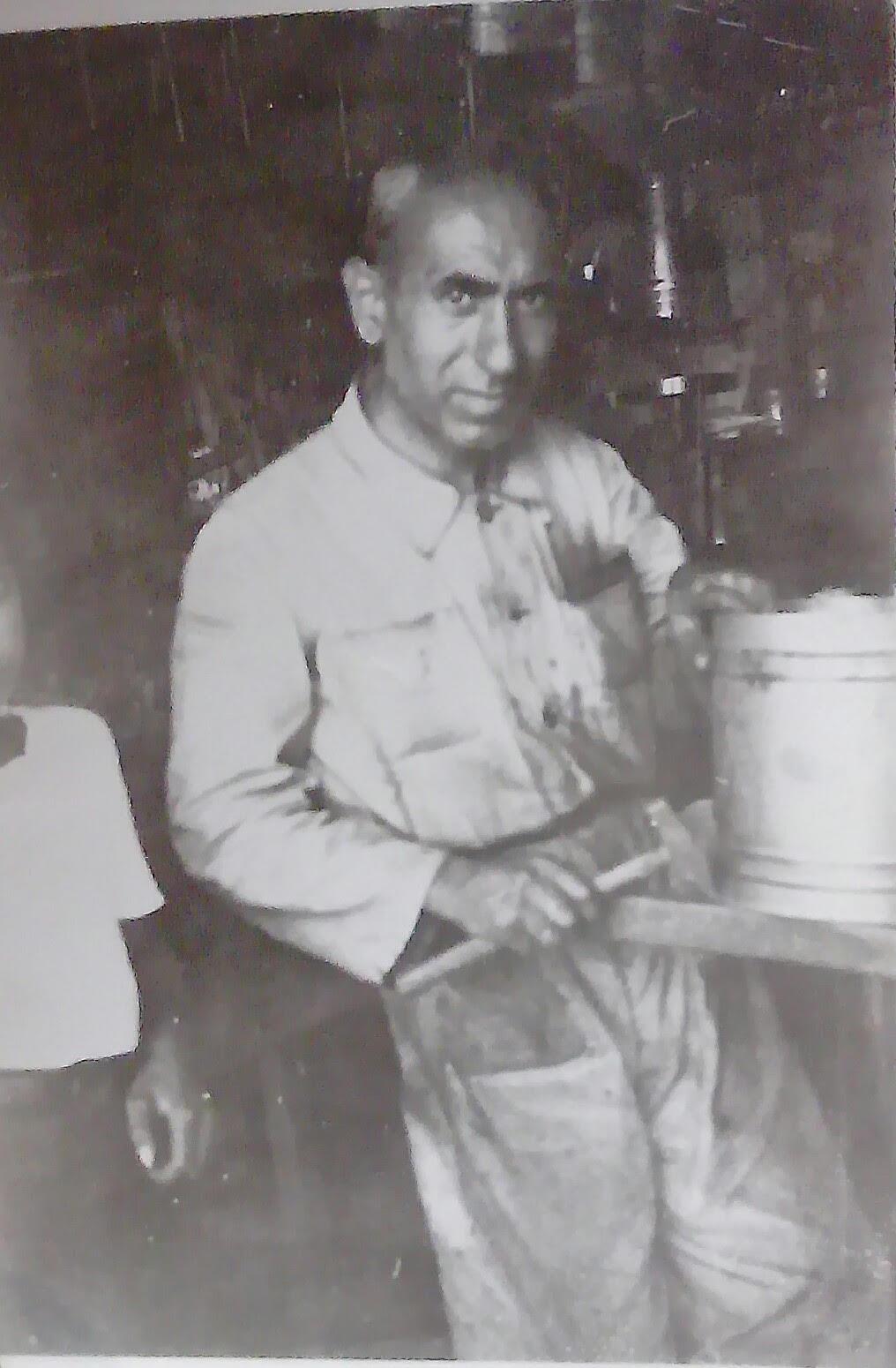Dedem Garabed tezgahının başında