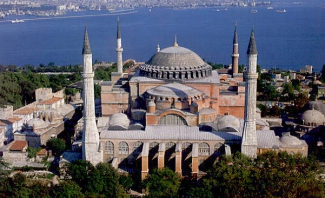 Rus Ortodoks Kilisesi: Ayasofya'nın camiye dönüştürülmesi kabul edilemez