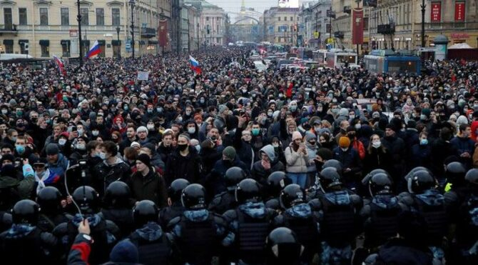 Russia Protests: The Putin System in its winter