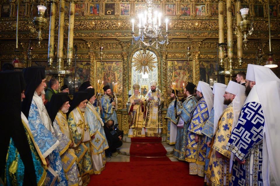 Ukrayna Kilisesi 'tomos' beratına İstanbul'da kavuştu