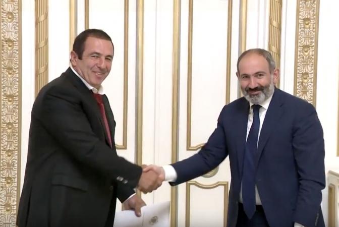 Ermenistan'da Paşinyan Tsarukyan mutabakatı