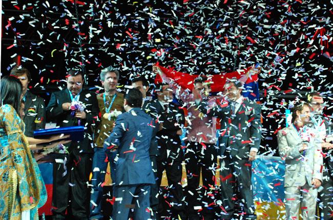 Alkışlar Ermenistan Satranç Milli Takımı'na
