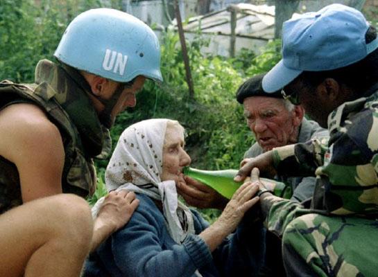 'Kobanê'ye, Bosna'daki gibi müdahale gerekiyor'