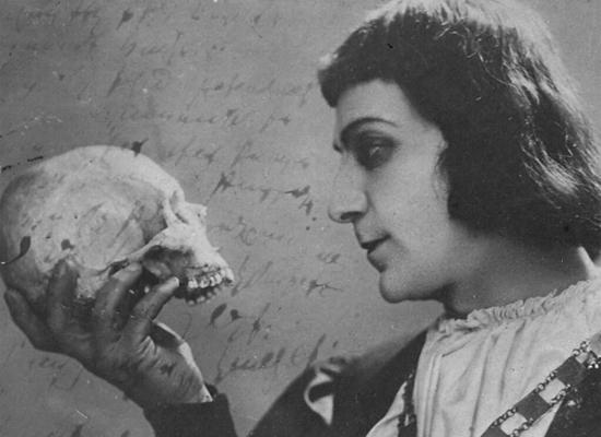 Memleketinden sürgün bir Othello: Vahram Papazyan