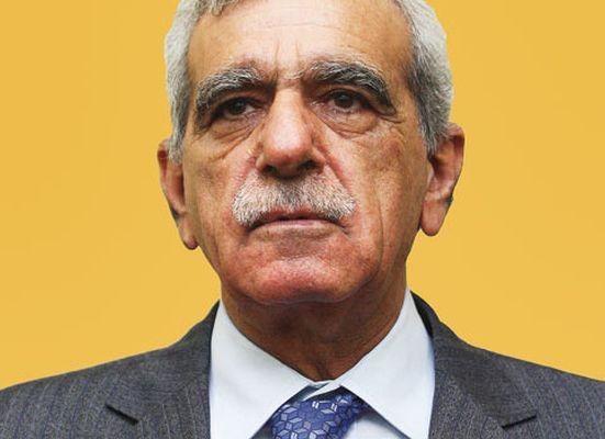 'Biz Ermenilerden özür diliyoruz, Türkler de dilesin'