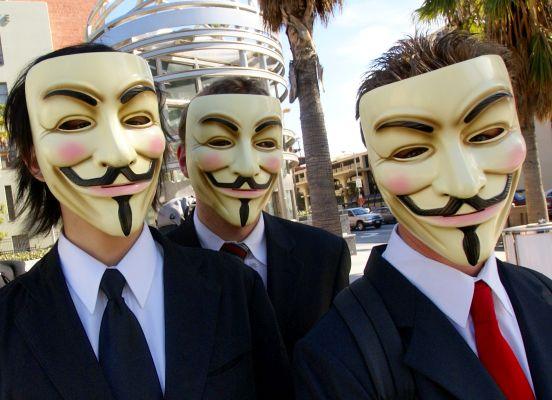 İnternet yönetilmeli mi, özgürleştirilmeli mi?