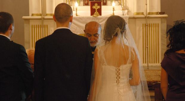 Karma evliliğe takdis yok