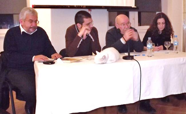 """""""Ermeniler yalnızlaştırılmaya devam ediyor"""""""