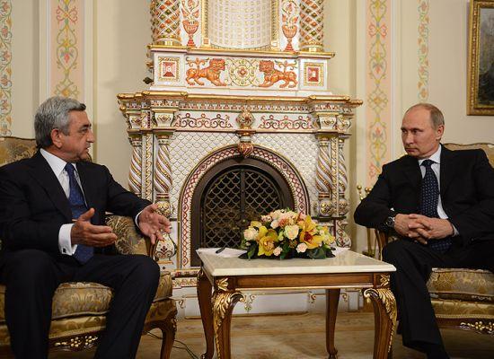 AB ile Ermenistan'ın arasına Rusya girdi