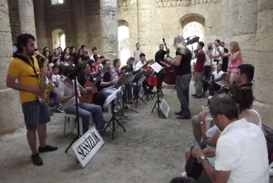 Batıayaz Ermeni Kilisesi'nde barış notaları