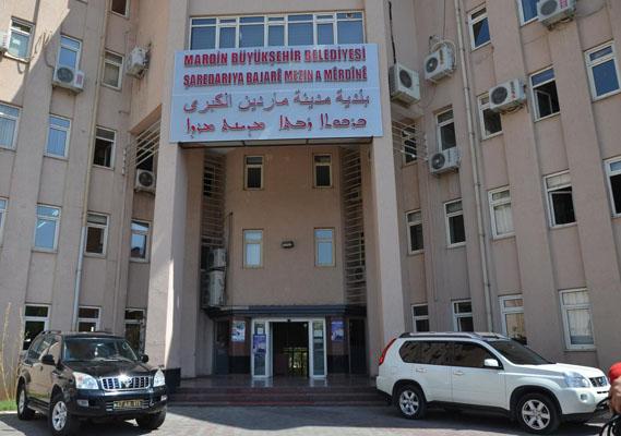 Mardin Belediyesi'nden çok dilli tabela