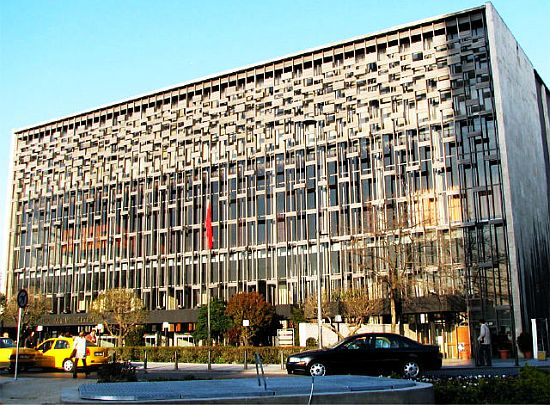 AKM 29 Ekim 2013'de açılıyor