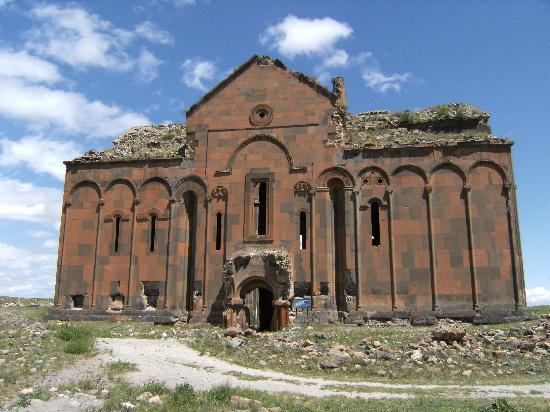 Bakanlığın faaliyet listesinde kilise restorasyonları önemli yer tutuyor