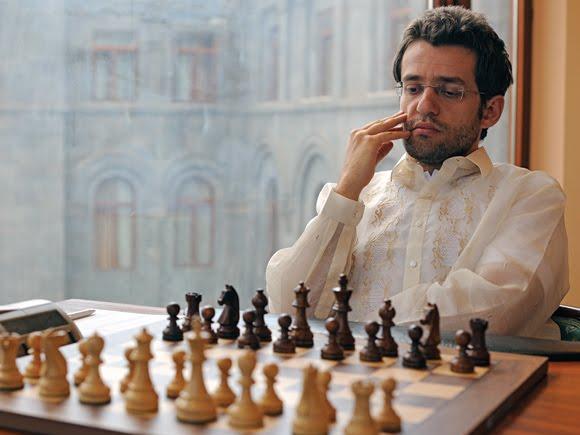 Aronian'ı liderlik kolğundan İsrailli Gelfand indirdi