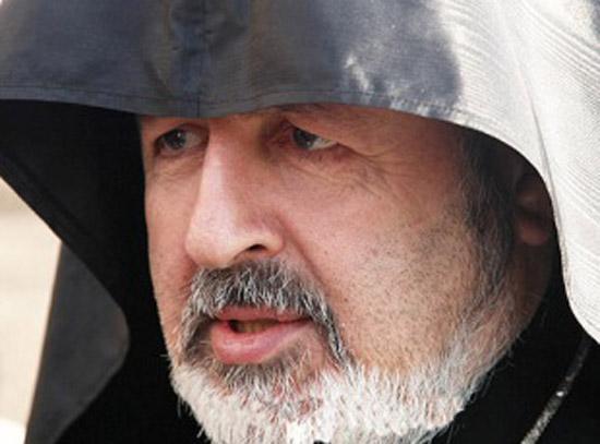 Başepiskopos Ateşyan'ın dediği dedik, çaldığı düdük