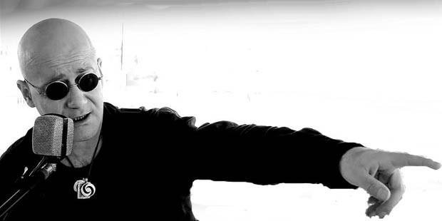 Ayna'nın solisti Cemil Özeren hayatını kaybetti