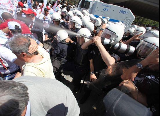 Prof. Dr. Adalet Alada biber gazı davasını AİHM'e taşıyor
