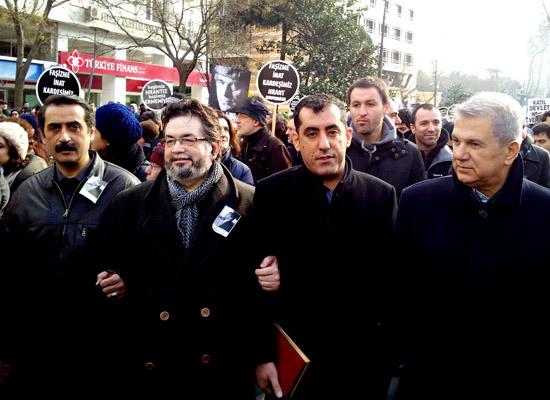 AK Parti'nin 'biz devletiz' illüzyonu