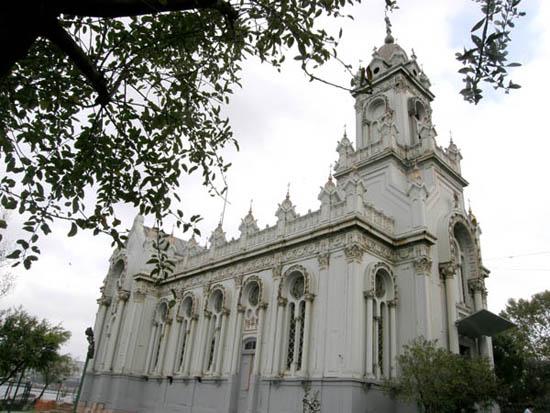 Demir Kilise Ocak'ta ibadete açılıyor