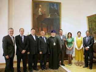 Dünya Ermenileri Gatoğigosu Mısırlı aydınlarla bir araya geldi