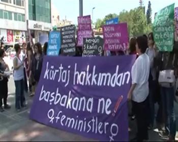 Kadınlardan Başbakan'a: 'Bedenlerimiz üzerinde karar verme hakkı sizde değil'