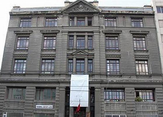 Galata Rum Okulu 23 yıl sonra iade edildi