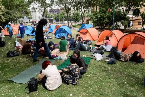 Taksim Gezi Parkı nöbetinde ikinci gün