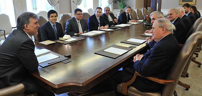ABD'li senatörler Carl Levin ve Jack Reed Köşk'te