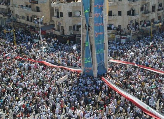 Suriye'de bu sefer Hama'da katliam var