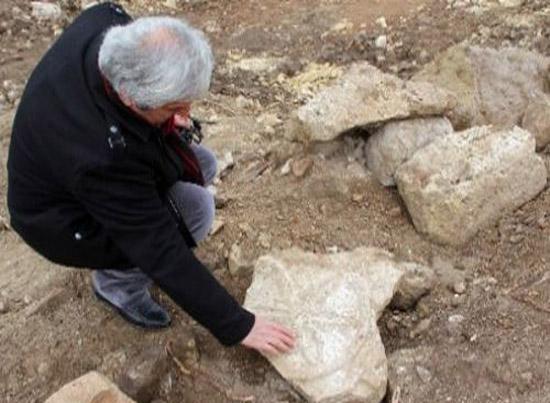 HES Kazısında kilise ve mezarlık ortaya çıktı
