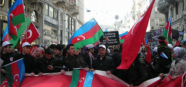 Bekaroğlu: 'Tüm katliamlar ırkçı nefretten doğar'