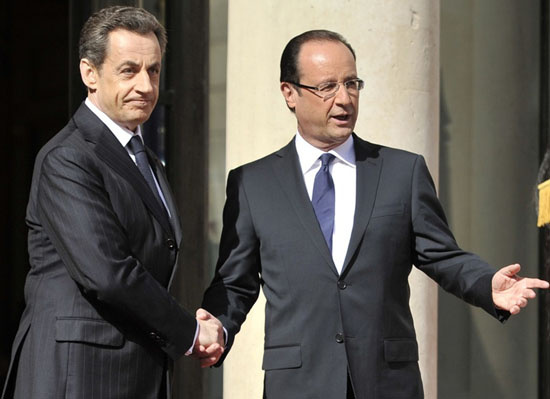 Hollande'ın inkar yasası anayasaya uygun olacak