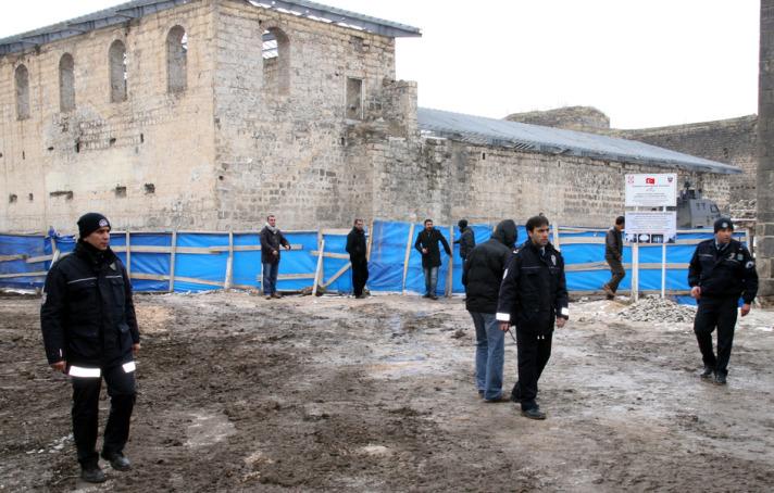 İçkale kazılarında ulaşılan cesed sayısı 24'e ulaştı