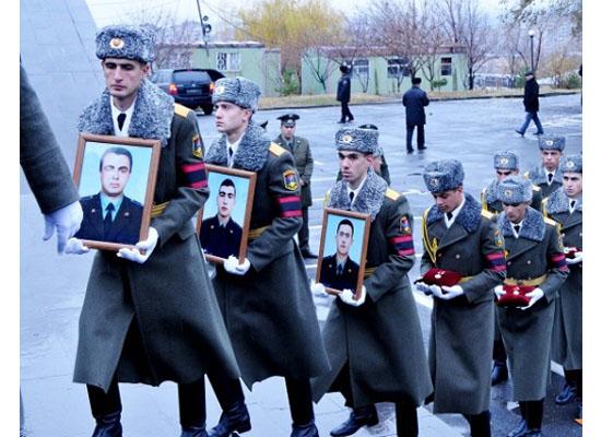 Tarafsız bölgede vurulan üç pilotun cenazesi 10 gün bekledi