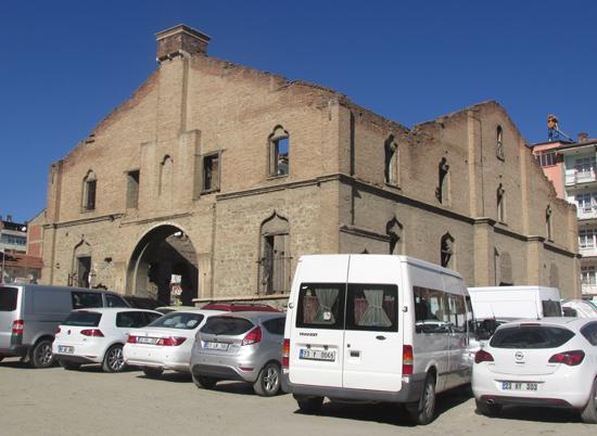 Elazığ'da kiliseden bozma otopark