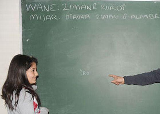 Kürtçe seçmeli ders olarak ortaokulda başlayacak