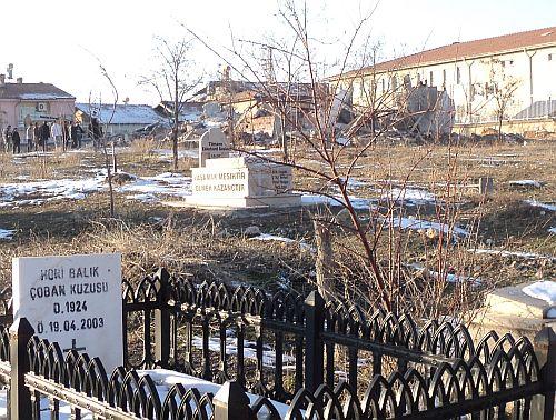Valilik ve Belediye yıkımı telafi edeceklerini açıkladı