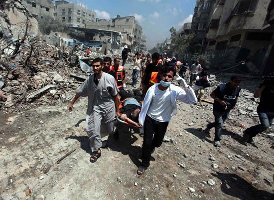 Gazze'de 'Kanlı Pazar'