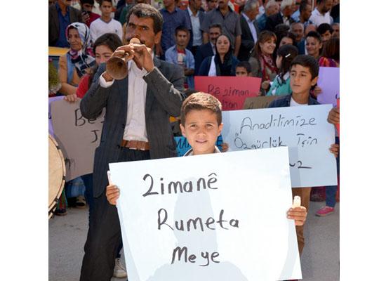 Mühürlere rağmen Kürtçe eğitime devam