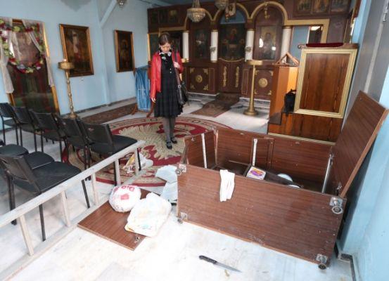 Kazlıçeşme'de 150 kişi kiliseye saldırdı