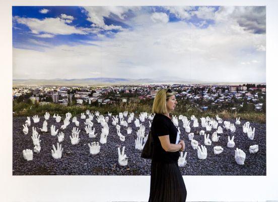 Kars'taki 'ucube' Bienal'de tartışma yarattı
