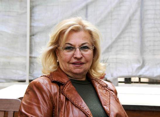 Ortaköy sahnesinde Ermenice kahkahalar