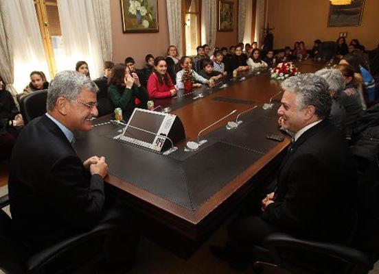 Pangaltı Mıkhitaryan öğrencileri Meclis'teydi