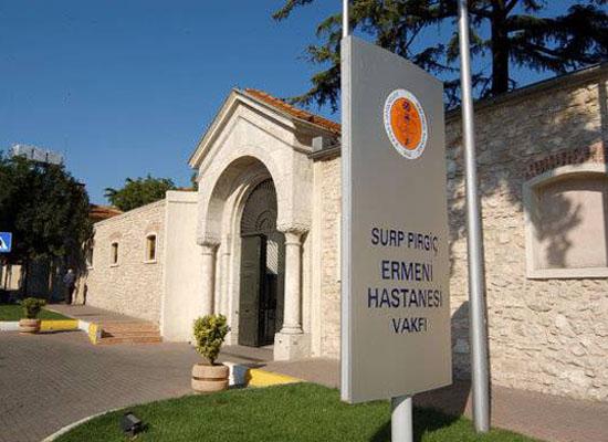 Dört önemli mülk Surp Pırgiç'e iade edildi
