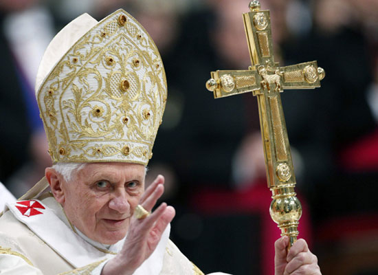 Papa XVI. Benedikt istifasını açıkladı