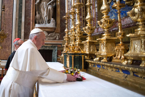 Papa'nın İslam'la diyaloguna Katolik dünyasından destek