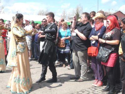 Ralliciler Karahan Çayı üzerinden Ermenistan'a gemi maketleri gönderdi