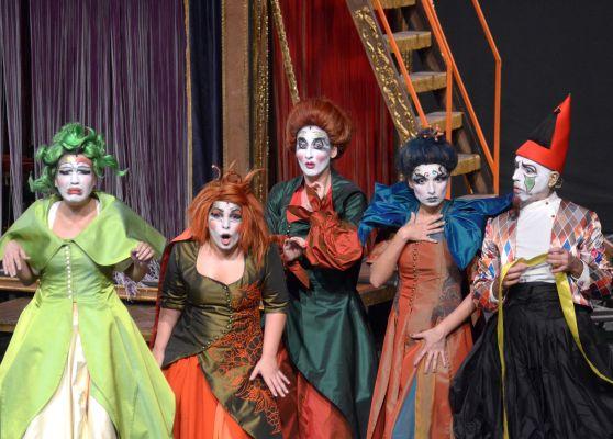 Baronyan'ın Şark Dişçisi 5 dalda 'Tiyatro Ödülleri' adayı