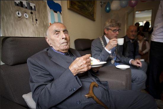Hollanda'nın en yaşlı erkeği Diyarbakırlı Mirzoyan